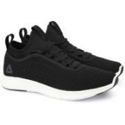 REEBOK PLUS RUNNER WOVEN Running Shoes For Men(Black)