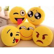 Plüss Emoji párna 30 cm Sírós