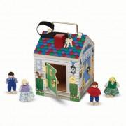 M&D, fa készségfejlesztő játék, ház kulcsokkal, csengőkkel és figurákkal