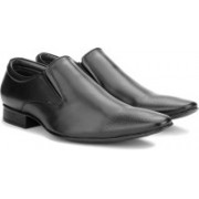 Bata TED Slip On Shoes For Men(Black)