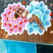 Cearceaf de plaja floare mandala cu petale multicolore si franjuri