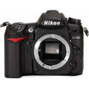 Nikon D7000 16M (Cuerpo), C