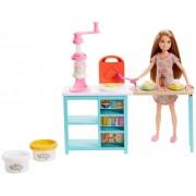 Set mic dejun cu mobilier de bucatarie si ustensile de servire - Barbie