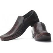 Clarks Fellow Slip Genuine Leather Slip On Shoes For Men(Brown)