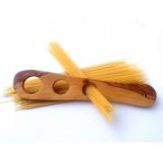 Dávkovač na špagety z olivového dřeva
