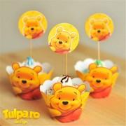 Beţişoare şi cupcakes pentru Candy Bar cu Winnie the Pooh