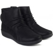 Clarks Sillian Chell Black Boots For Women(Black)