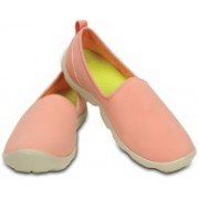 Crocs Casuals For Women(Pink, White)