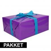 Shoppartners Paarse cadeauverpakking pakket met blauw cadeaulint