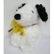 Hallmark Snoopy plush holds woodstock New fuzzy