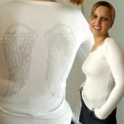 Top manche longues blanc grandes ailes ange en strass dans le dos