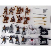 Russian Knights Playset (16 Figures w/Weapons & 4 Horses) (Bagged) 1/32 Playsets