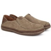 Clarks TRAPELL FORM OLIVE NUBUCK Loafers For Men(Green)