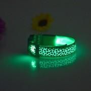 Psov Obojok Leopard LED zelený