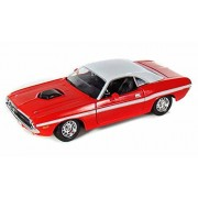 1970 Dodge Challenger R/T, Red Maisto 31263 1/24 Scale Diecast Model Toy Car