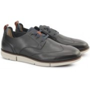 Clarks TRIGEN WING NAVY LEATHER Casuals For Men(Blue)