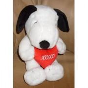 Peanuts Hallmark Plush Snoopy Holding Heart XOXO