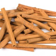 Craft Cinnamon Sticks - 25 Pieces of Cinnamon Sticks For Christmas Wreaths and Decorations. 125g Bag. Size 9cm aprox.