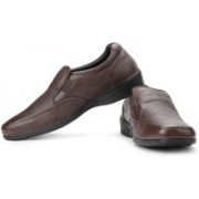 Hush Puppies By Bata Jungle-II Slip On Shoes For Men(Brown)