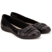 Clarks Feya Island Black Leather Bellies For Women(Black)