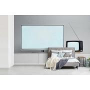 Fotobehang vinyl - Flat screen televisie naast een retro televisie breedte 470 cm x hoogte 300 cm - Foto print op behang (in 7 formaten beschikbaar)