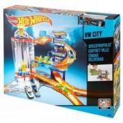 Set de joaca Hot Wheels Masinuta si Pista Vitezotropolis