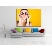 Tablou fata cu ochelari de soare - cod A05