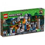 Lego Klocki LEGO Minecraft Przygody na skale macierzystej 21147
