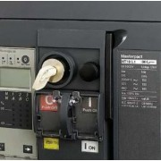 Dispozitiv de blocare cu lacat - pt. masterpact nw/nw dc/nw ul 489 - bloc. off - Intreruptoare automate cu izolatie in aer - 48539 - Schneider Electric