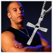 Retiazka na krk s krížom -VIN DIESEL Toretto
