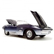 1961 Chevrolet Corvette Mako Shark Diecast Model 1:18 Die Cast Car