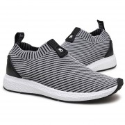 Moda hombres transpirable Zapatillas deportivas Slip-on trotar caminar Sneakers