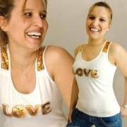 """Top débardeur sexy blanc message """"LOVE"""" en paillettes or"""