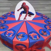 Spiderman torta od kartona