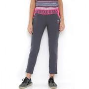 Tuna London regular fit comfortable track pants for women