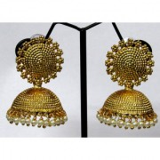 Golden Royal Looking Pearl Drop Jhumka Earring