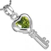 Ezüst színű nyaklánc, kulcs alakú, olíva zöld színű cirkónia kristályos medállal