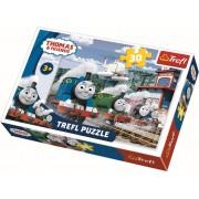 Puzzle clasic copii - Locomotiva Thomas Cursa pe sine 30 piese