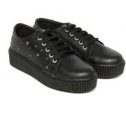 Trendy Look Black Gold Sneakers