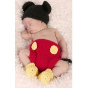 Costum bebelusi crosetat Mickey Mouse