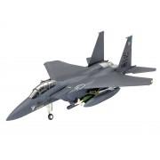 Modelul de avion ModelKit pentru avioane 03972 - Eagle și bombe de atac F-15E (1: 144)