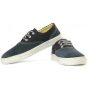 Levi's Yontville Low Sneakers For Men(Navy)