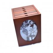Album pentru fotografii rotativ, din lemn de culoare maro