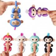 ER Monito Fingerlings Adorables Monitos De Colores Que Se Cuelgan De Su Dedo - Multicolores
