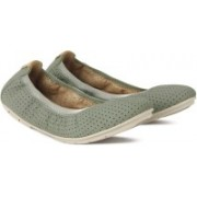Clarks Un Tract Sage Nubuck Casuals For Women(Green)