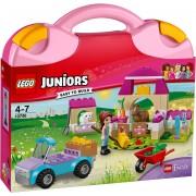 LEGO® JUNIORS, Mia's boerderijkoffer (10746)