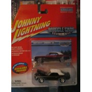 Johnny Lightning Muscle Cars U.S.A. 1969 Chevy Camaro SS Playing Mantis Die Cast Vehicle Car