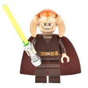 LEGO Star Wars Minifigure from Palpatine's Arrest - Saesee Tiin with Cape and Lightsaber (9526)