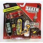 TECH DECK 96mm BOARD SHOP - 4 BAKER BOARDS - Includes Mystery Board - New