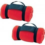 Geen 2x Fleece dekens/plaids rood afneembaar handvat 160 x 130 cm